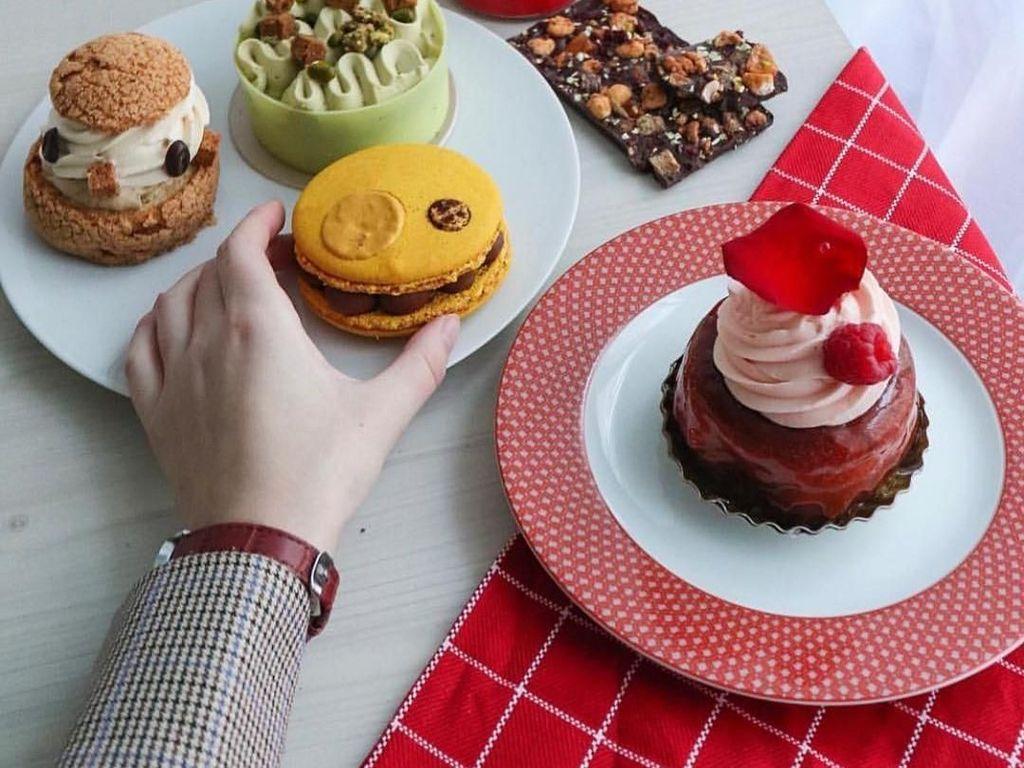 4 Alasan Mengapa Mudah dan Sering Ngidam Makanan Manis