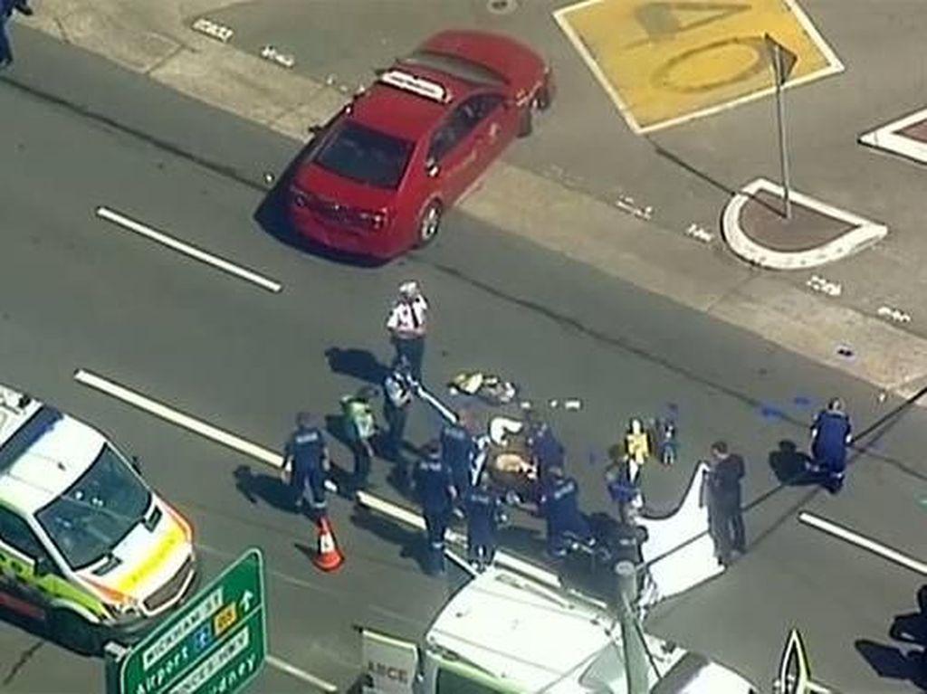 Pria Tabrak Mobil Polisi di Sydney, Tikam Pejalan Kaki dan Bunuh Diri