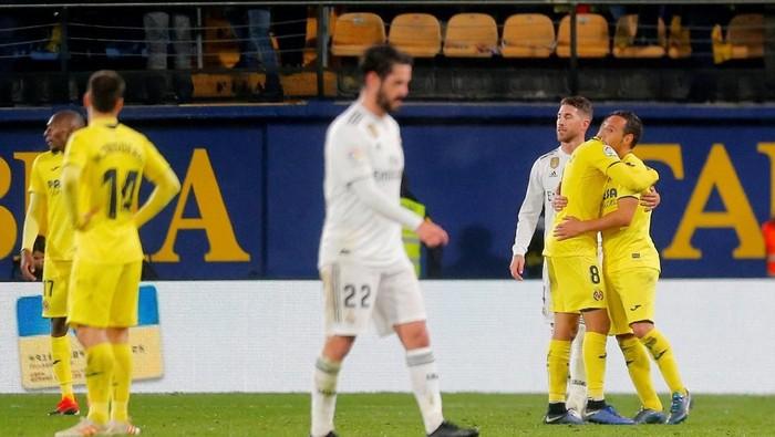 Soccer Football - La Liga Santander - Villarreal v Real Madrid - Estadio de la Ceramica, Villarreal, Spain - January 3, 2019  Villarreals Santi Cazorla celebrates after the match    REUTERS/Heino Kalis