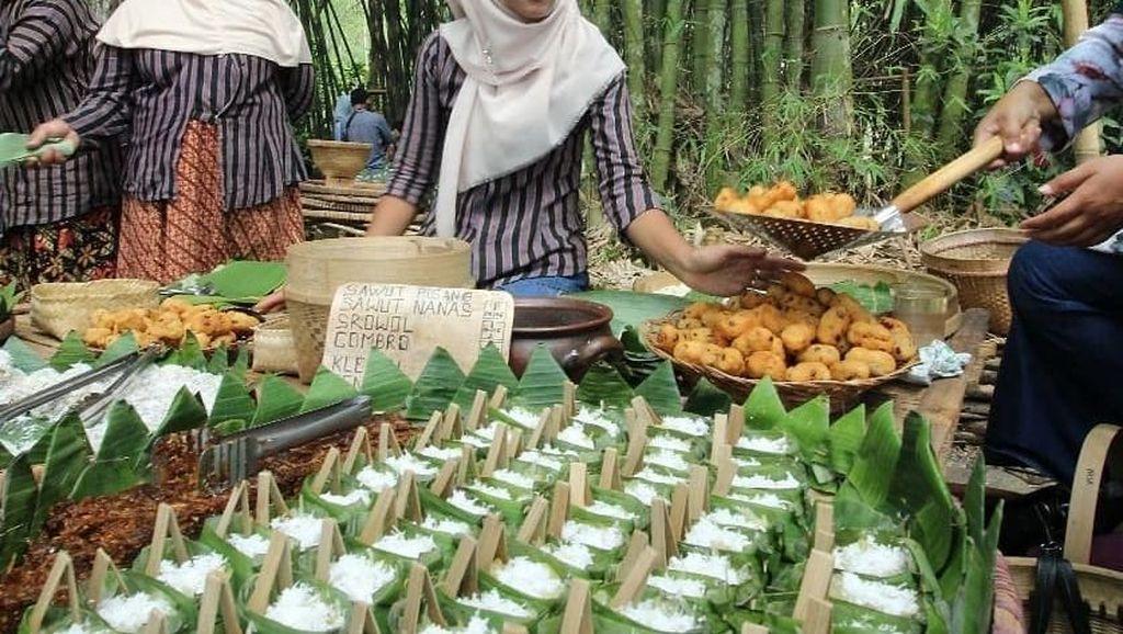 Ada Gethuk Gulung Hingga Nasi Gono di Pasar Papringan