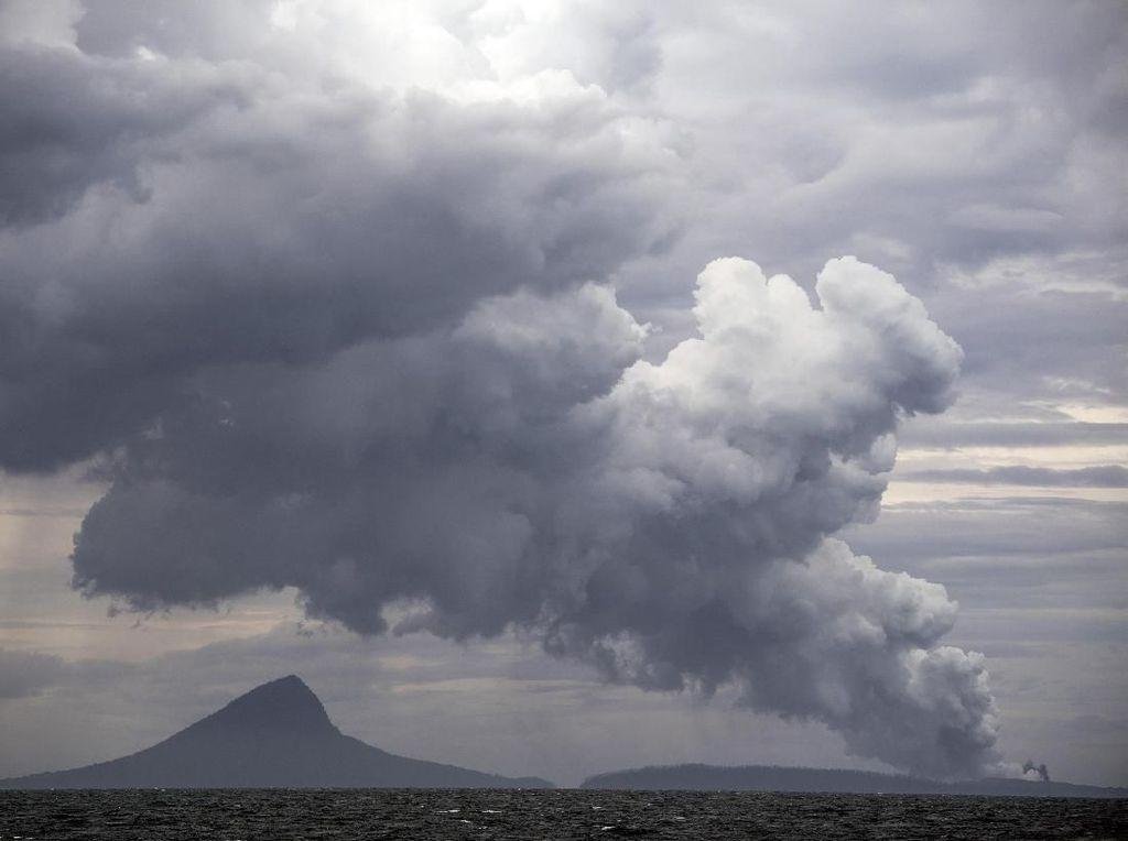 Penampakan Gunung Anak Krakatau Usai Erupsi dari Luar Angkasa