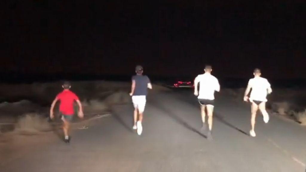 Liburan ke Dubai, Cristiano Ronaldo Lari di Gurun Pasir Malam Hari