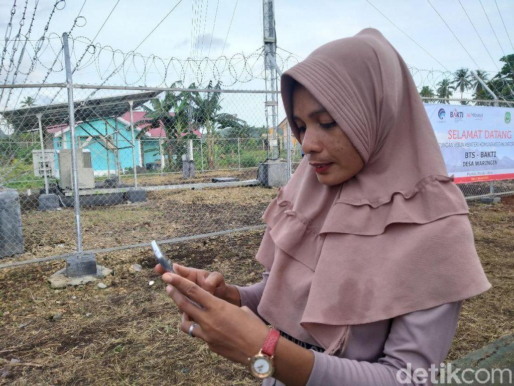 Warga Pulau Morotai Berburu Sinyal Buat Internetan
