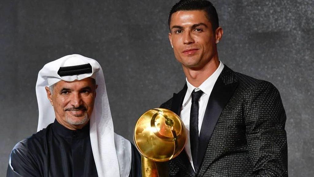 Video Ronaldo Dinobatkan Jadi Pemain Terbaik Dunia