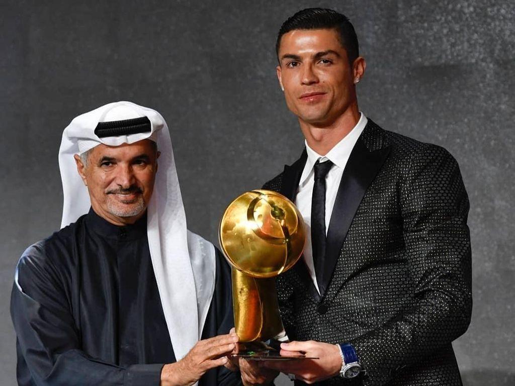 Cristiano Ronaldo Pemain Terbaik Dunia Versi Globe Soccer Awards