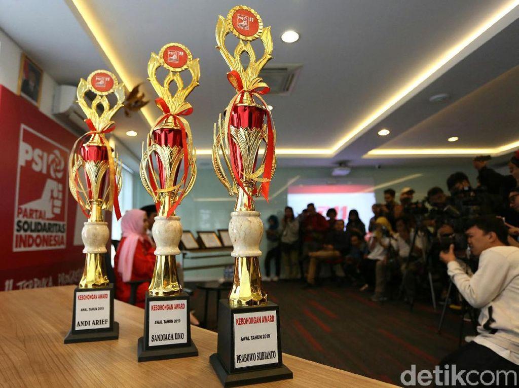 Prabowo-Sandi Raih Kebohongan Award dari PSI