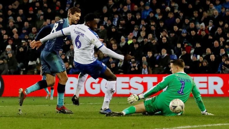 Llorente Hat-trick, Tottenham Hotspur Hancurkan Tranmere Rovers 7-0