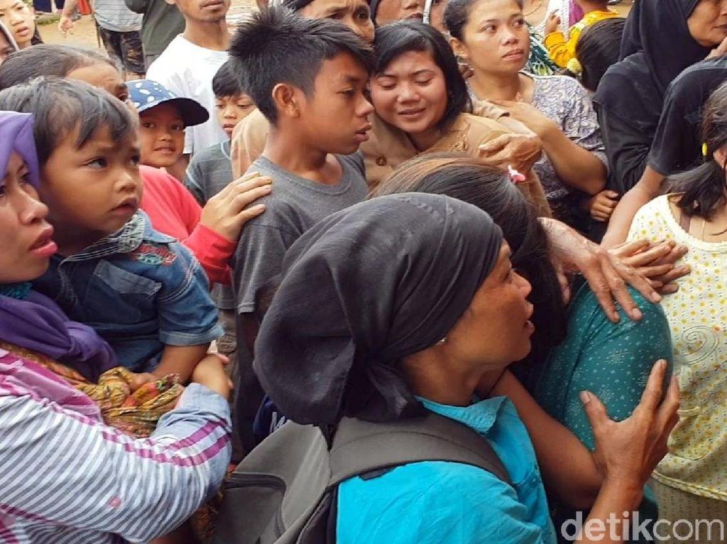 Cerita Dani Nyaris Terkubur Longsor Kampung Adat Sukabumi