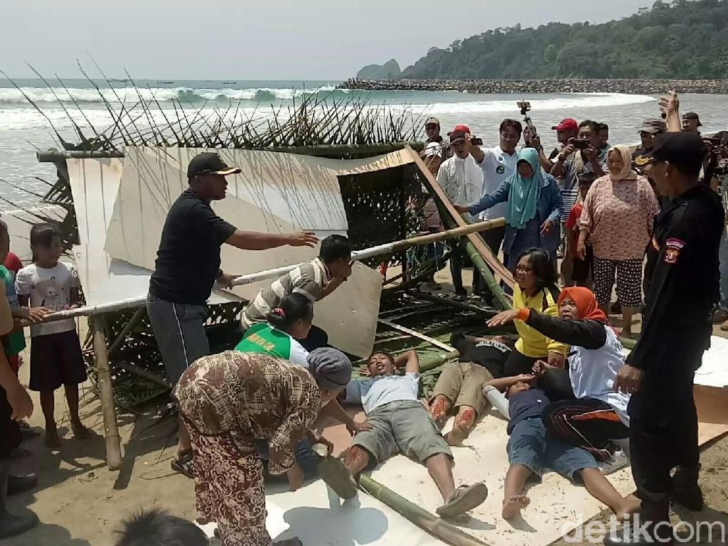 Polda Jatim Gelar Simulasi Bencana Tsunami di Banyuwangi