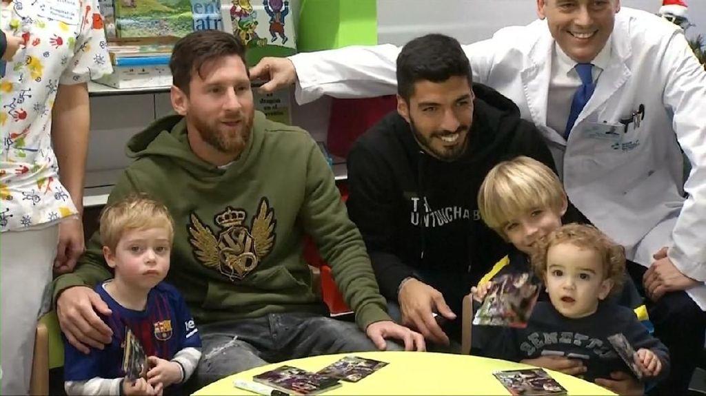 Wajah-wajah Menggemaskan Saat Messi Kunjungi RS Barcelona