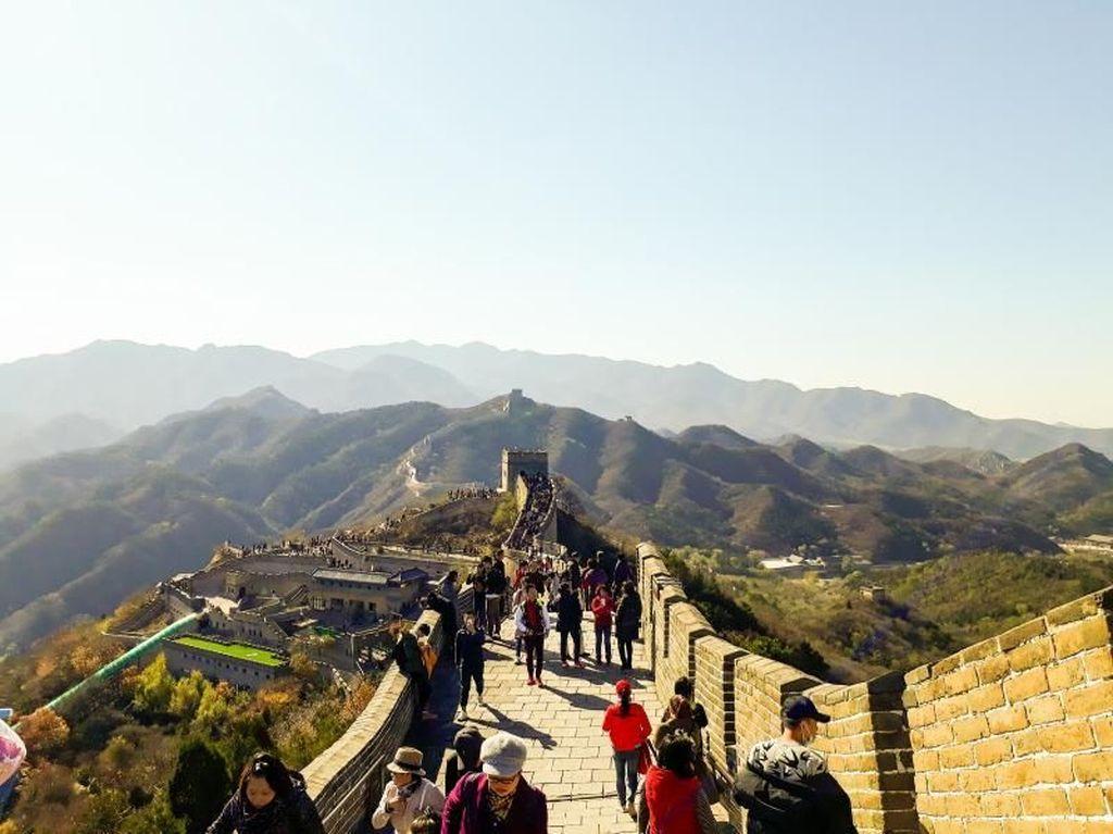 Perjuangan Menggapai Puncak Tembok Besar China
