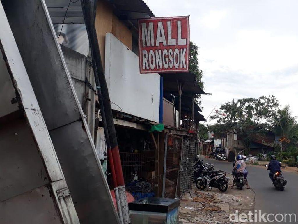 Untung-Buntung Belanja di Mal Rongsok