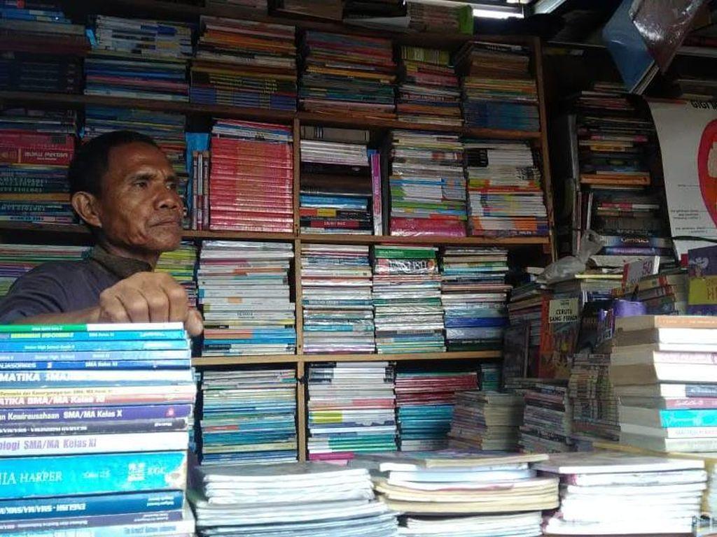 Pedagang Buku di Kwitang dan Senen Bertahan di Era Online