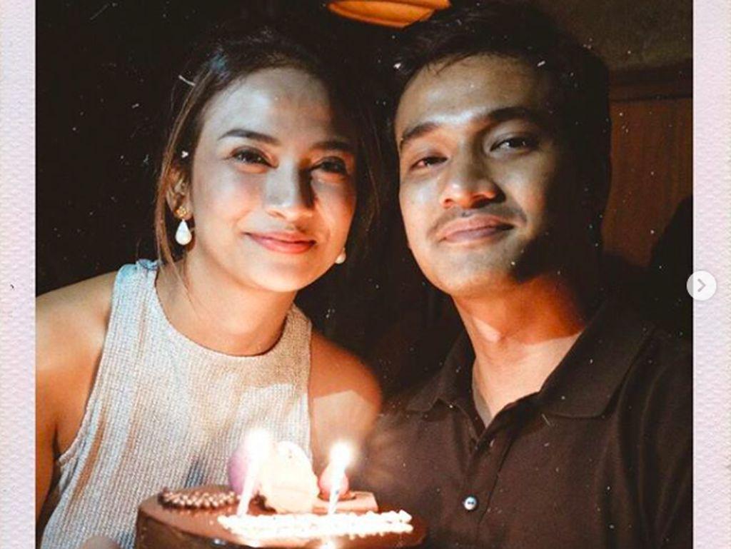 Ternyata, Pacar Langsung ke Surabaya saat Vanessa Angel Terciduk