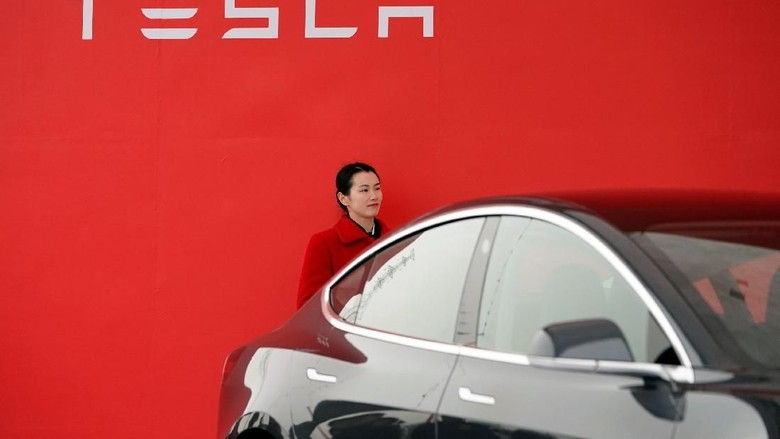 Pabrikan Otomotif Tiongkok Ingin 'Sleding' Tesla Soal Mobil Listrik