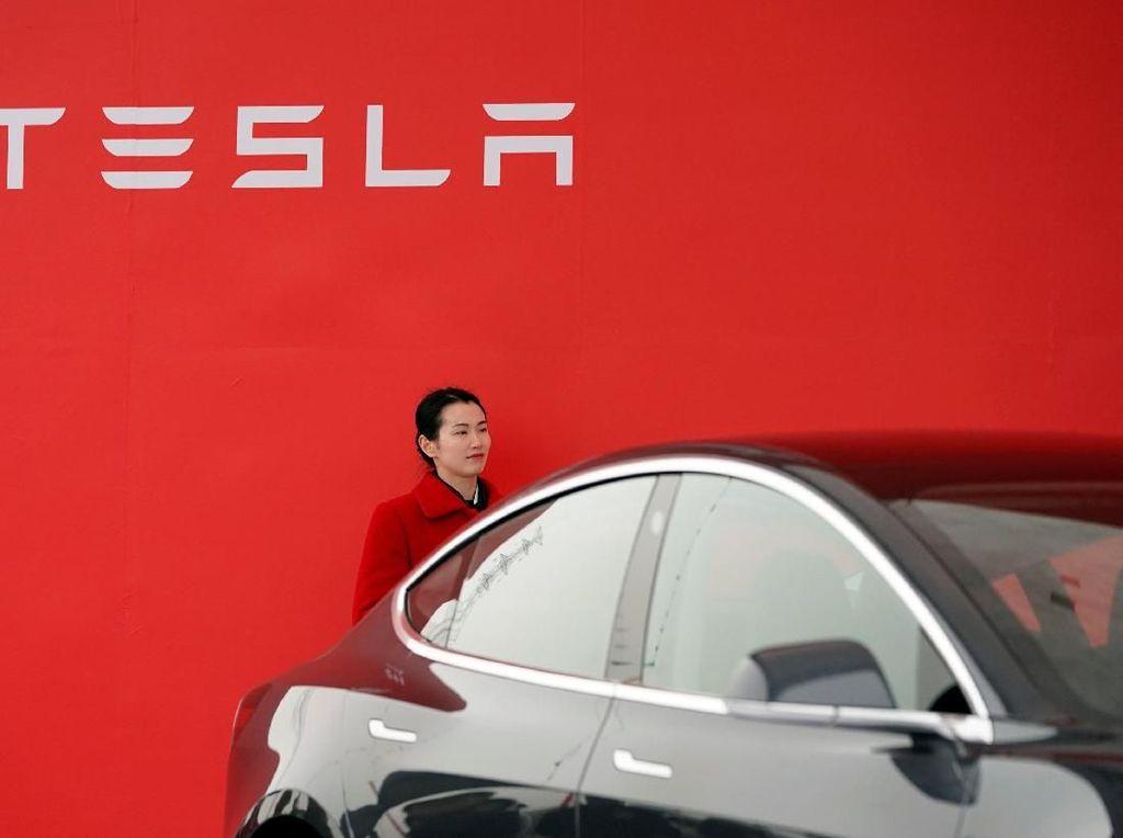 Pabrikan Otomotif Tiongkok Ingin Sleding Tesla Soal Mobil Listrik
