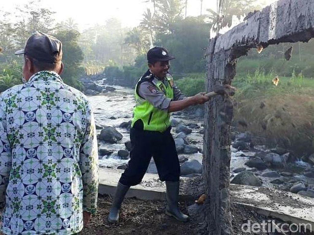 Tembok di Tengah Jalan Buatan Cakades Kalah di Wonosobo Dibongkar