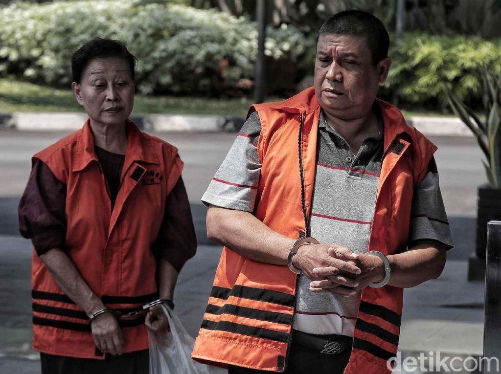 Momen Saat 2 Tahanan KPK Digelandang