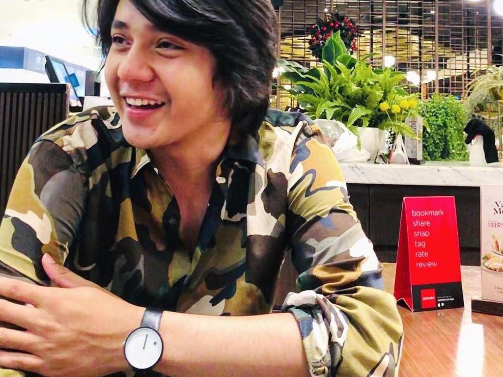 Arbani Yasiz, Pemain Sinetron Ganteng yang Hobi Makan Bareng Keluarga