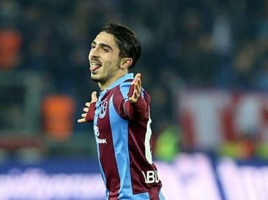 Liverpool dan City Bersaing Dapatkan Pemain Muda Turki