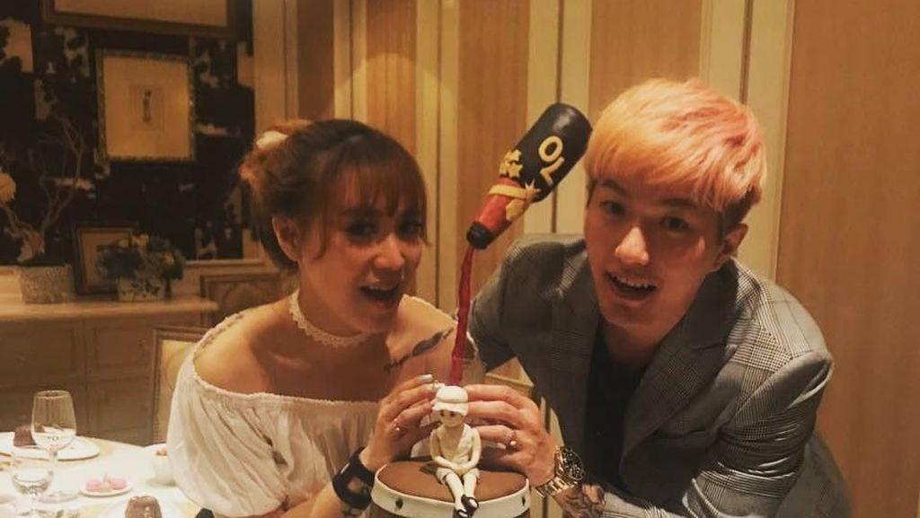 Pose Manis Lee Jeong Hoon, Presenter Hits asal Korea yang Doyan Makan