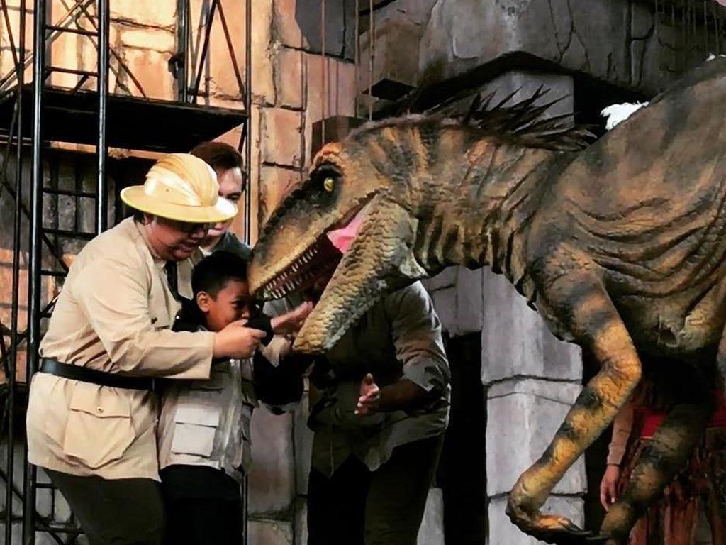 Wisata ke Ancol, Masih Ada Dinosaurus di Ujung Musim Liburan