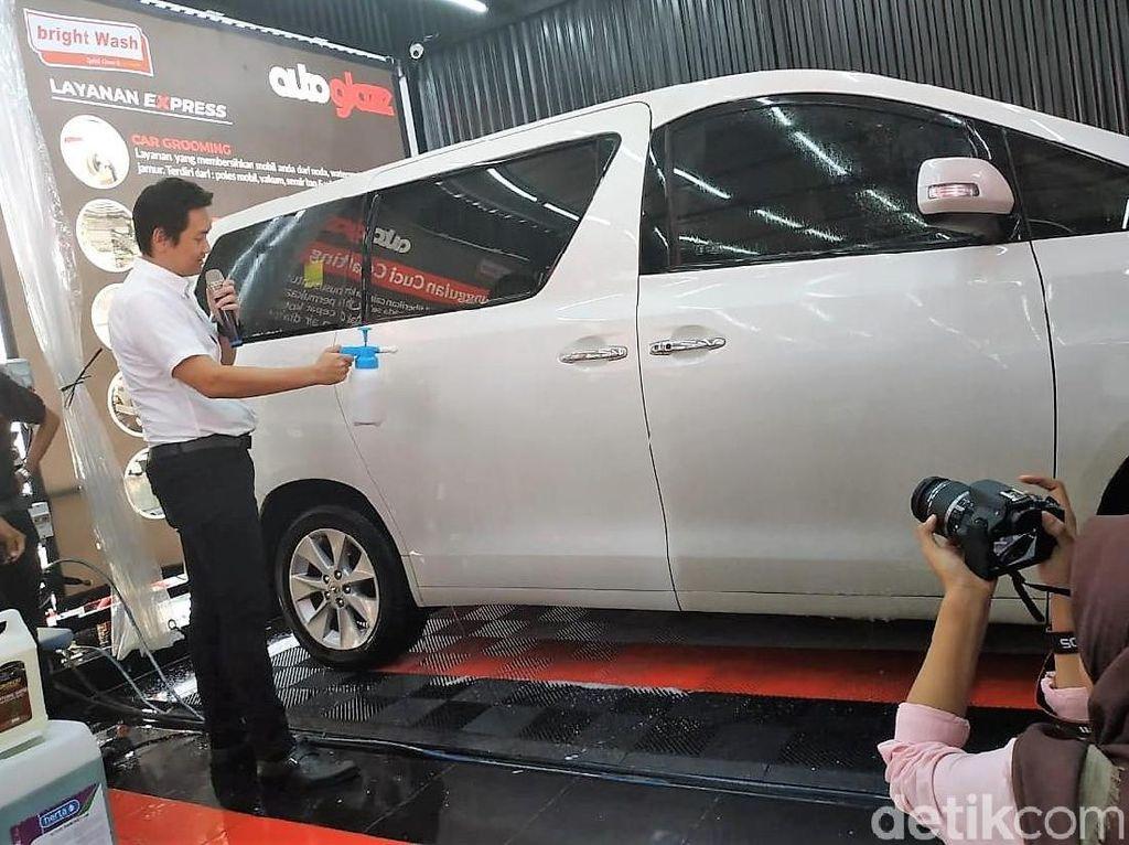Cuci Mobil Minim Sentuhan Tangan di SPBU