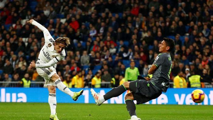 Luka Modric mengakui Real Madrid kesulitan menjebol gawang Real Sociedad (REUTERS/Juan Medina)
