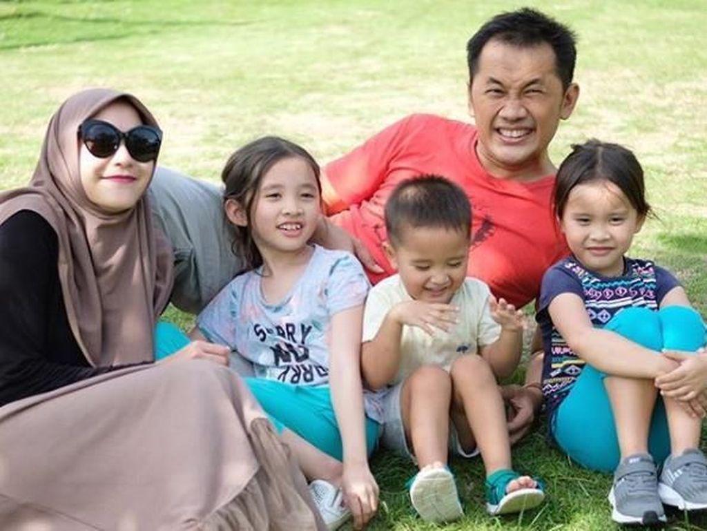 Untung Rugi Home Schooling Seperti Rencana Zaskia Mecca untuk Anaknya