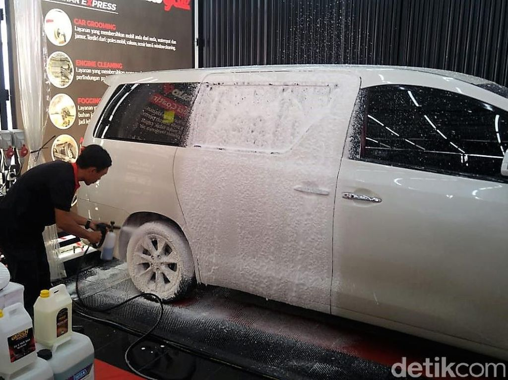 Pelek Mobil Jangan Dicuci Pakai Sabun Colek!