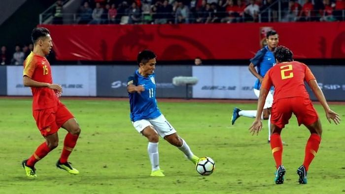Sunil Chettri melewati jumlah gol Lionel Messi di level tim nasional (AFP)