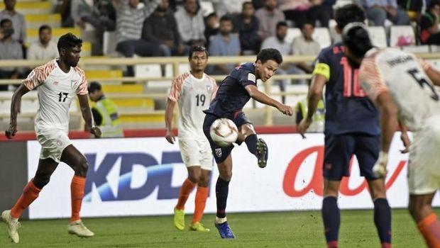 Thailand sulit bangkit dari tekanan India di babak kedua.