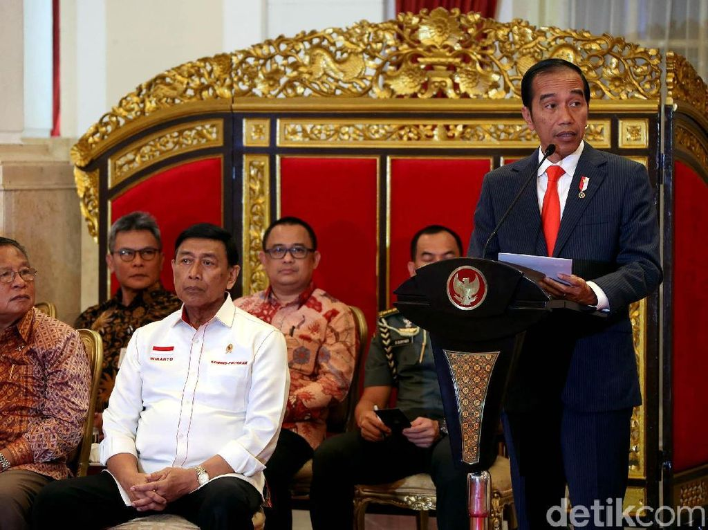 Jokowi Bahas Capaian Pemerintah di Rapat Kabinet Perdana 2019