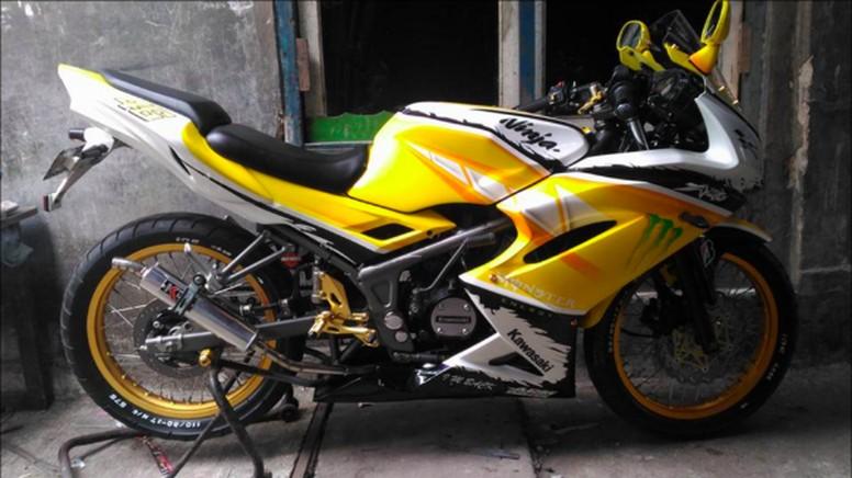 Kawasaki Ninja 150 RR milik Ruli Afriyanto