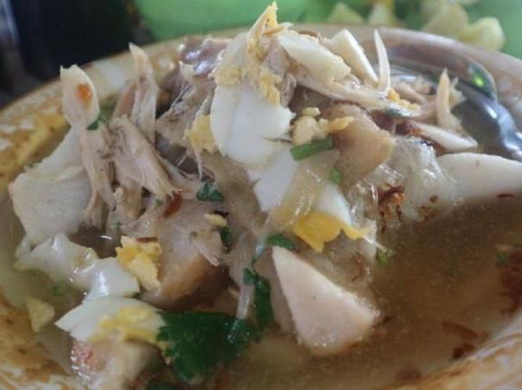 Siang-siang di Banjarmasin, Enaknya Makan Soto Banjar Haji Asan