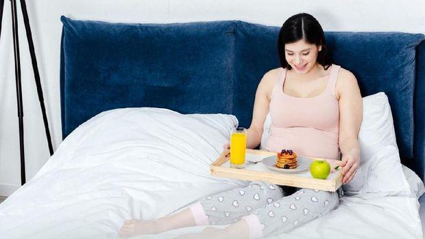 5 Asupan yang Penting Dikonsumsi Ibu Hamil Saat Sarapan