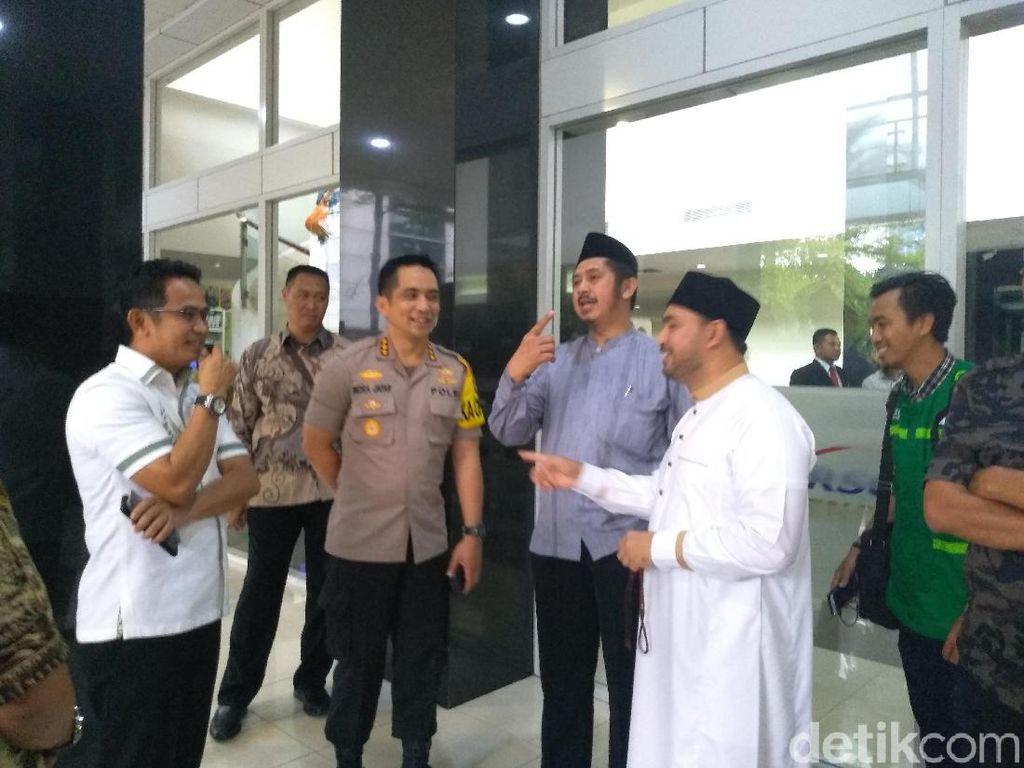 Kombes Indra Muazin Aksi 212 Jenguk Arifin Ilham: Beliau Terlalu Lelah