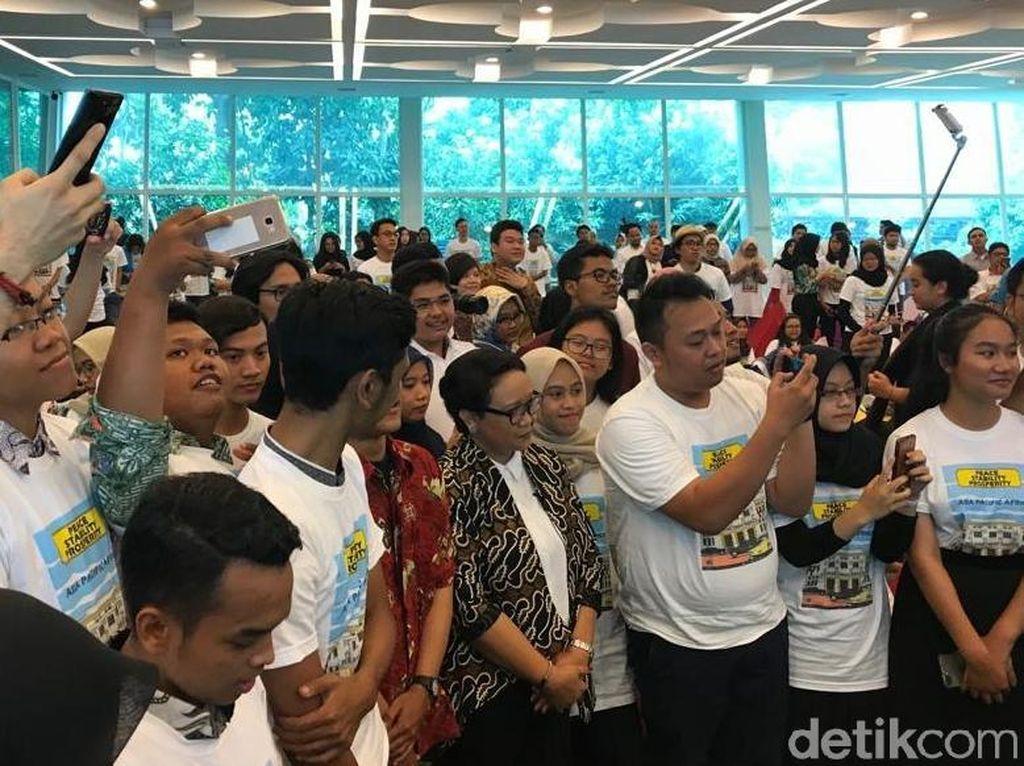 Kala Menlu Retno Ditanya Milenial: Jokowi Peduli Politik Luar Negeri Nggak?