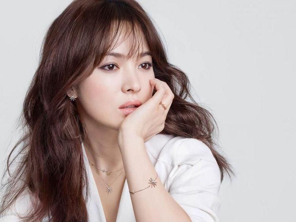 Song Hye Kyo Cerai, Ini 6 Pria yang Pernah Digosipkan Cinlok Dengannya