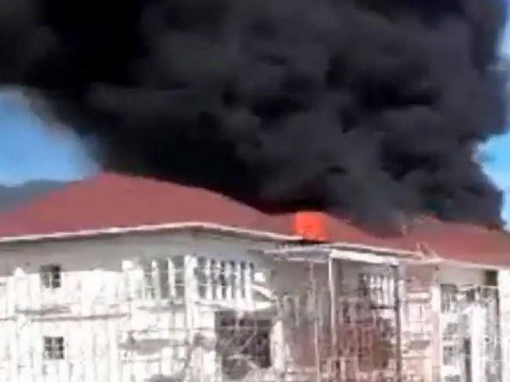 Gedung Baru IAIN Palopo Hangus Dilalap Si Jago Merah
