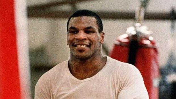 Mike Tyson pernah memelihara macan. (