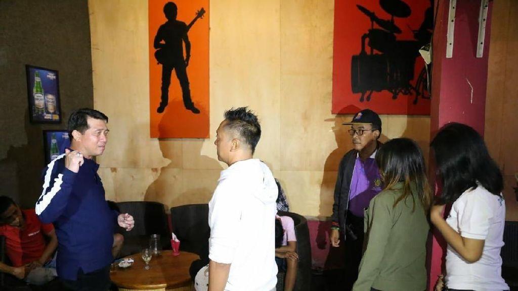 Bupati Klungkung Sidak dan Tutup Cafe Remang-remang