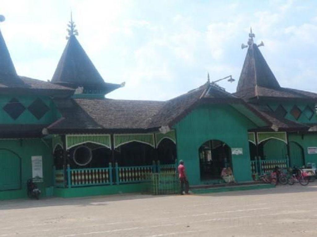 Wajah Masjid Berusia 5 Abad di Banjarmasin