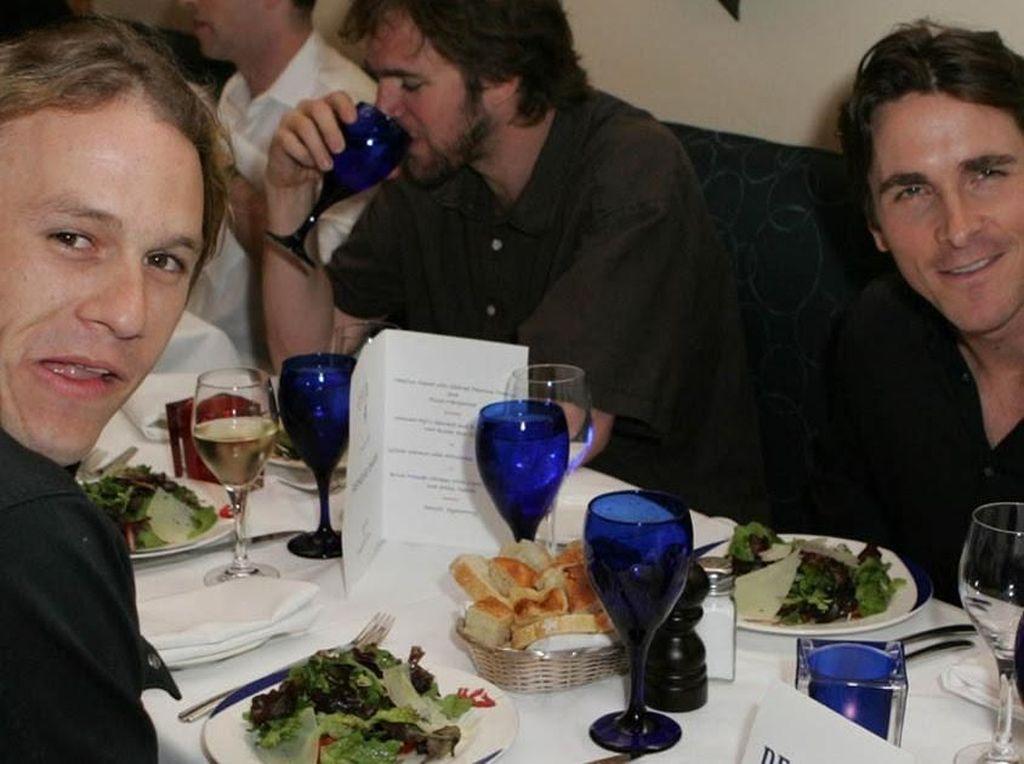 Menang di Golden Globes, Christian Bale Ternyata Penggemar Kopi dan Salad