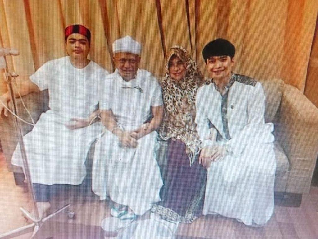 Doa Teuku Wisnu dan Arie Untung untuk Ustaz Arifin Ilham