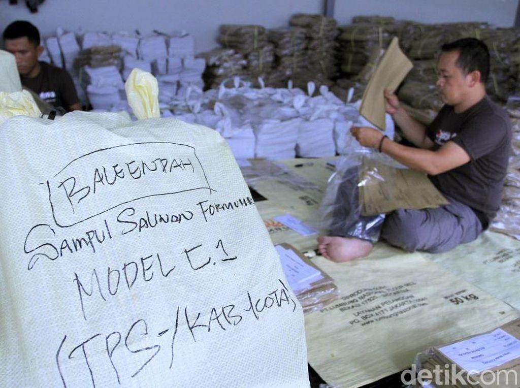 KPU Kabupaten Bandung Mulai Sortir Sampul Pemilu 2019