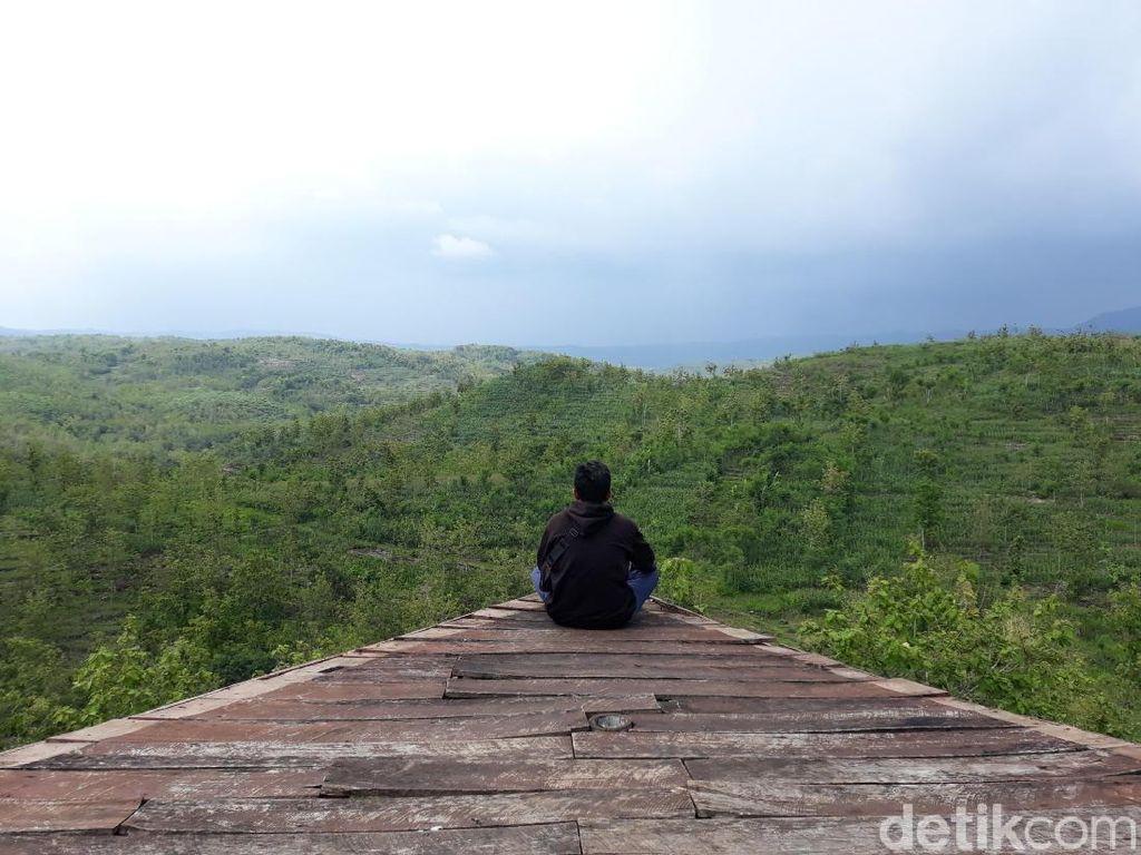Foto: Gardu Pandang Gunung Gede yang Instagenik