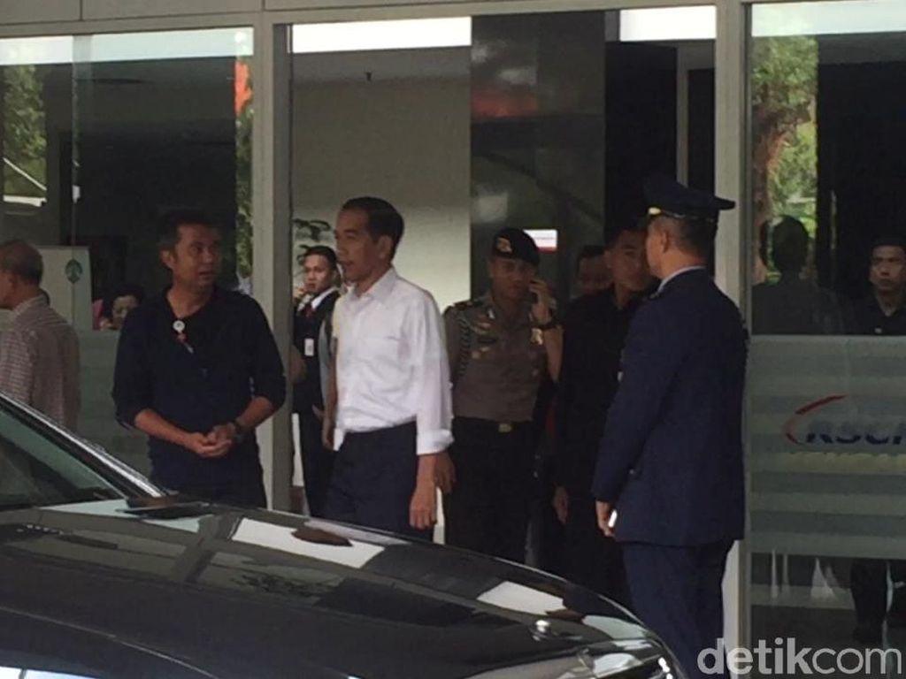 Jokowi Doakan Ustaz Arifin Ilham Cepat Sembuh dan Kembali Berdakwah