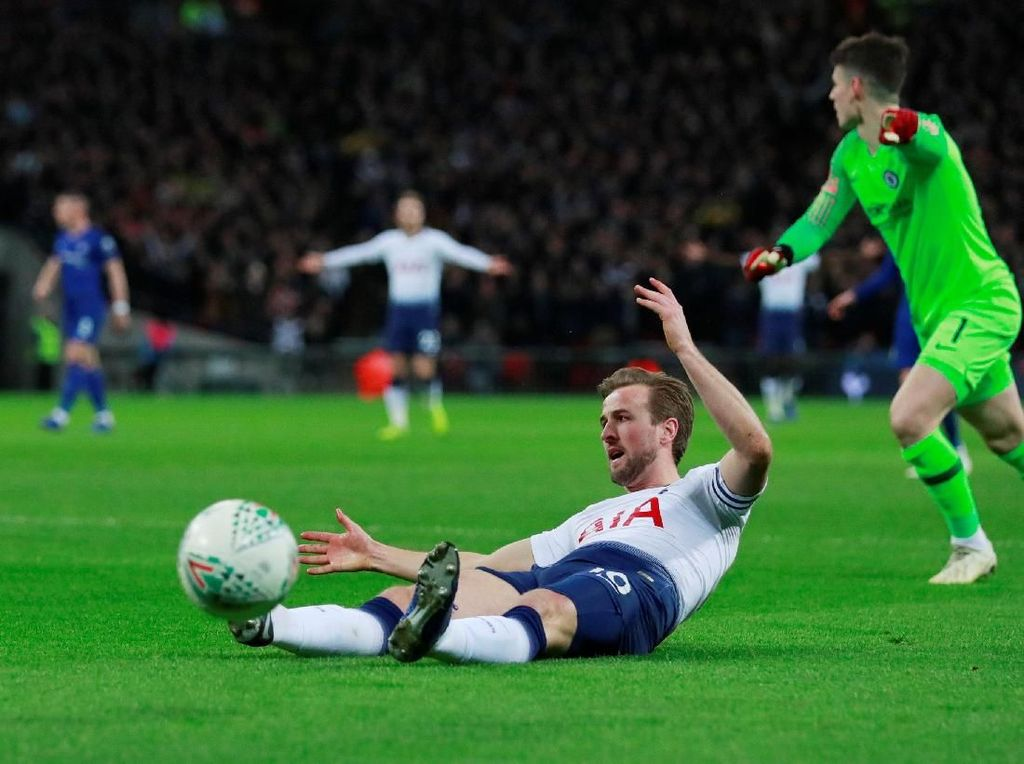Sarri: Kane Offside sebelum Penalti Terjadi