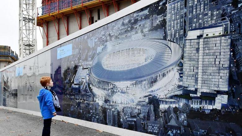 Maaf Spurs, Stadion Barunya Masih Belum Boleh Dipakai